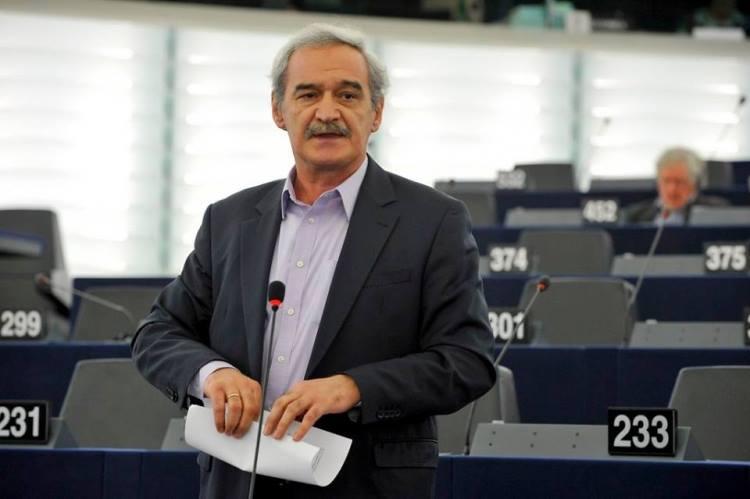 Τροπολογίες Νίκου Χουντή για την καταδίκη των Μνημονίων σε Ελλάδα και άλλες χώρες